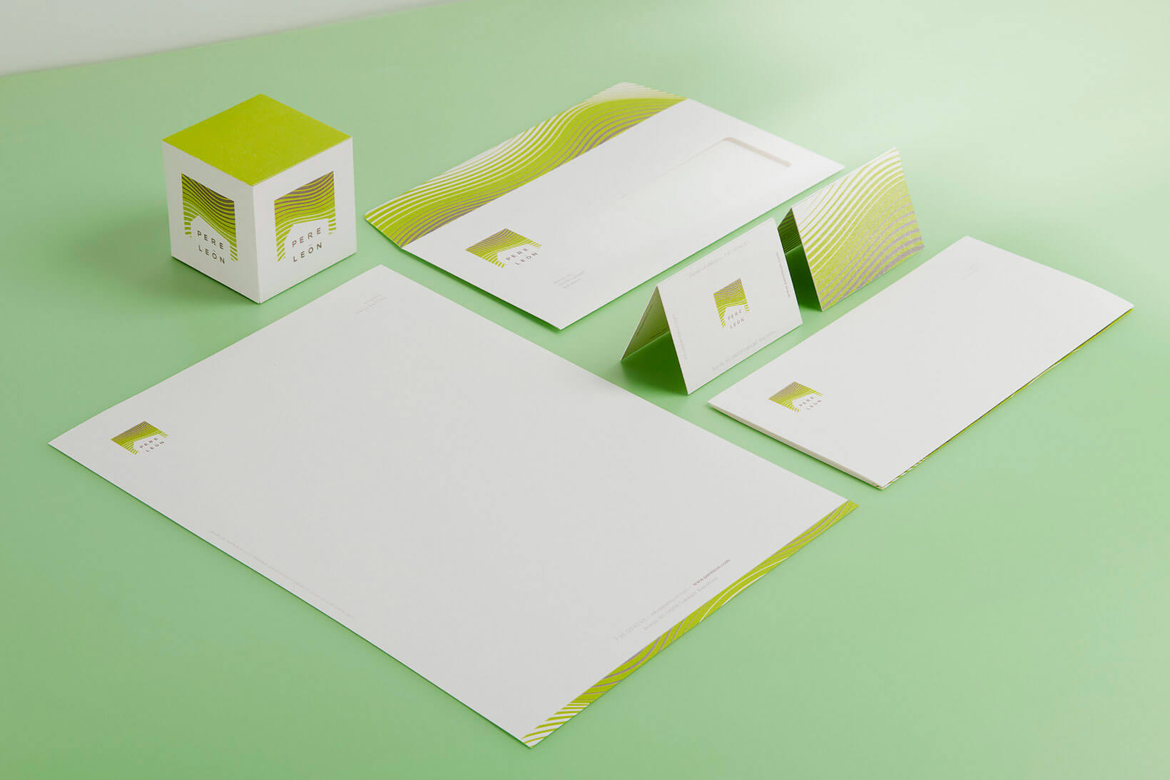 Pere León bio-architecture branding logo design visual corporate identity brochure Vibranding
