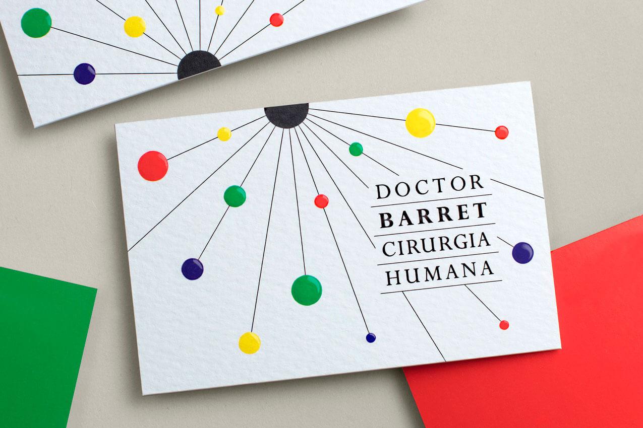 Tarjetas de visita con el logotipo que Vibranding diseñó para el Doctor Barret.