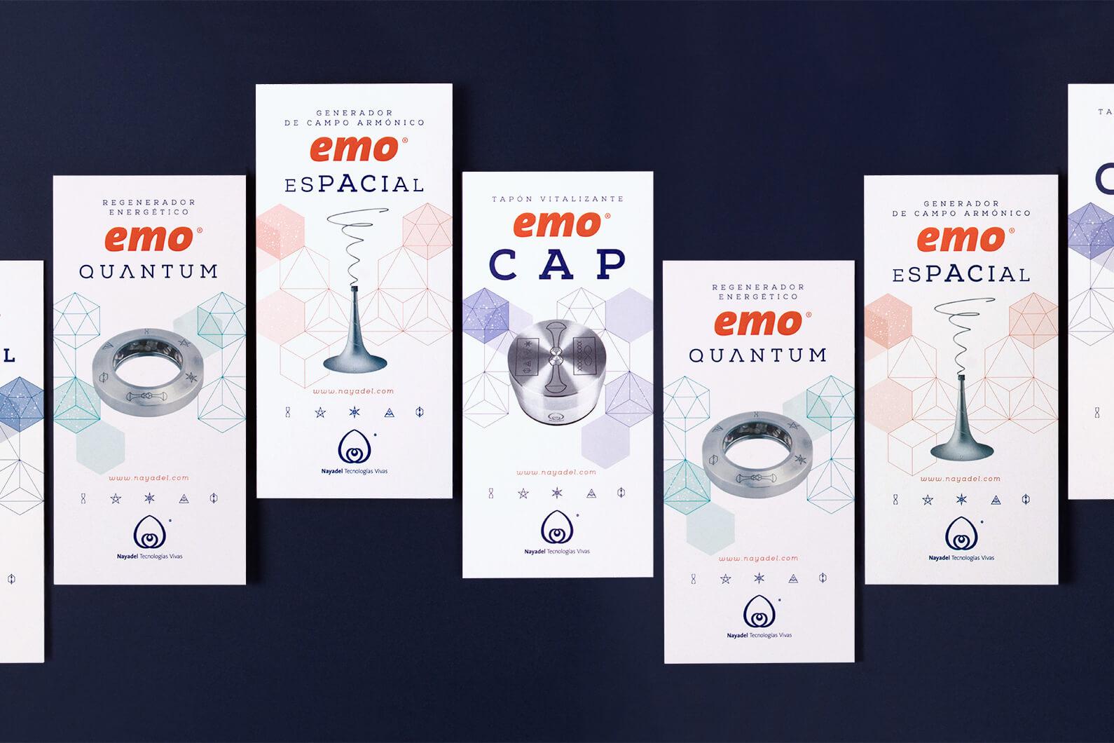 Los folletos diseñados para Nayadel con la identidad gráfica