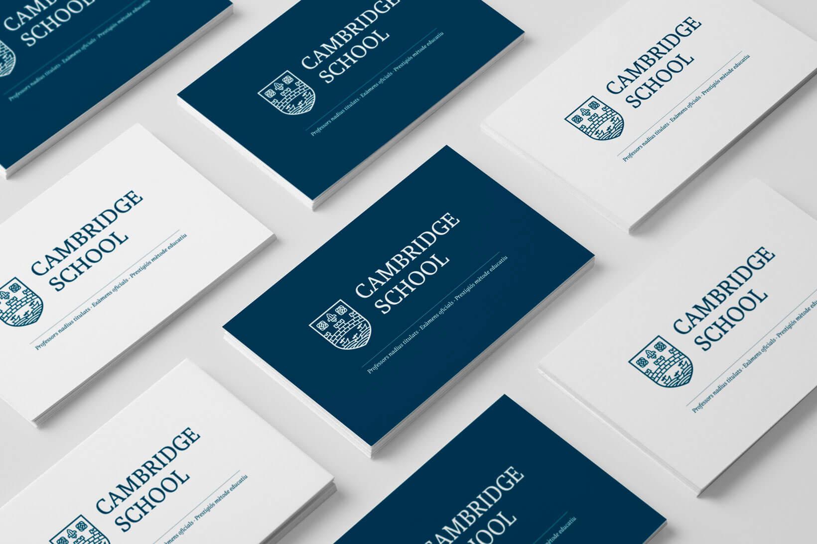 Restyling logotipo Cambridge School logo identidad gráfica diseño