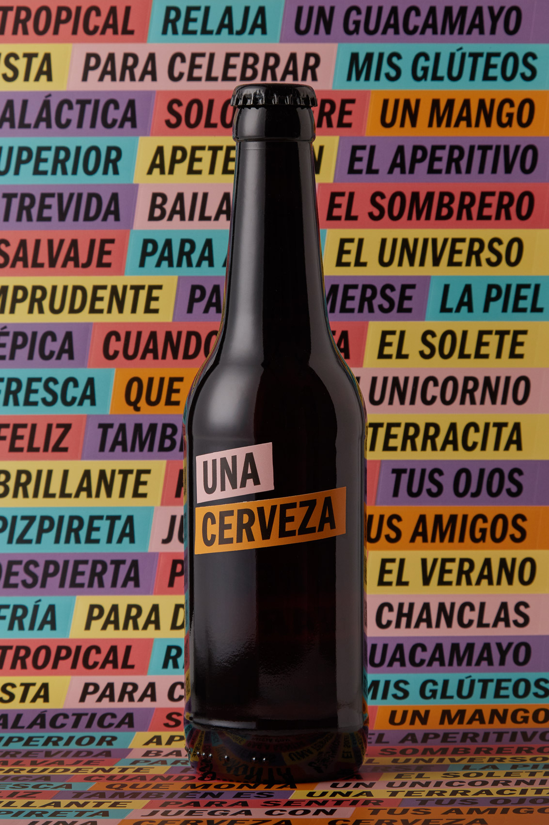 Packaging Label design Una Cerveza Beer fmcg fast moving consumer goods Vibranding graphic design